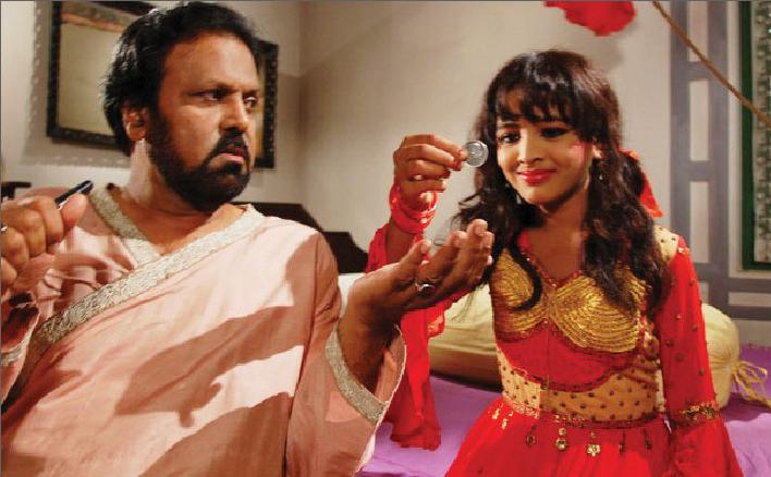 অন্যদিন-এ চলচ্চিত্র, বিষয়বৈচিত্র্যে প্রোজ্জ্বল: মোমিন রহমান